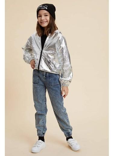 DeFacto Parlak Kumaş Kapüşonlu Yağmurluk Gümüş
